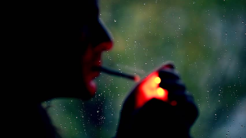 The Best Moment to Enjoy Your Cigarettes (Smoke Plug-Pull