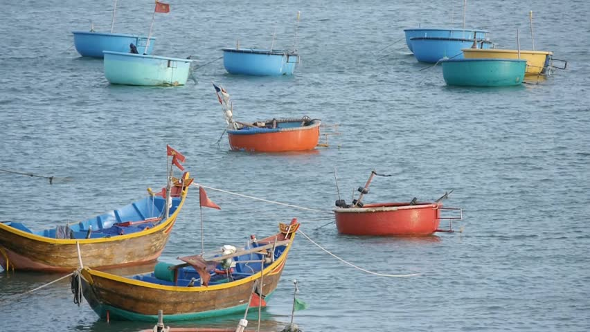 Round basket boats on sand beach of mui ne vietnam asia for Round fishing boat