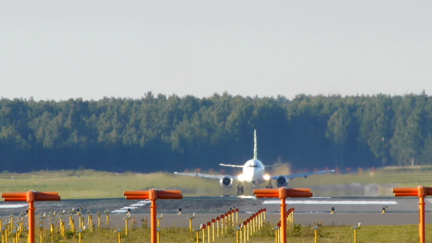 HD - Aircraft take off (Boeing 737)