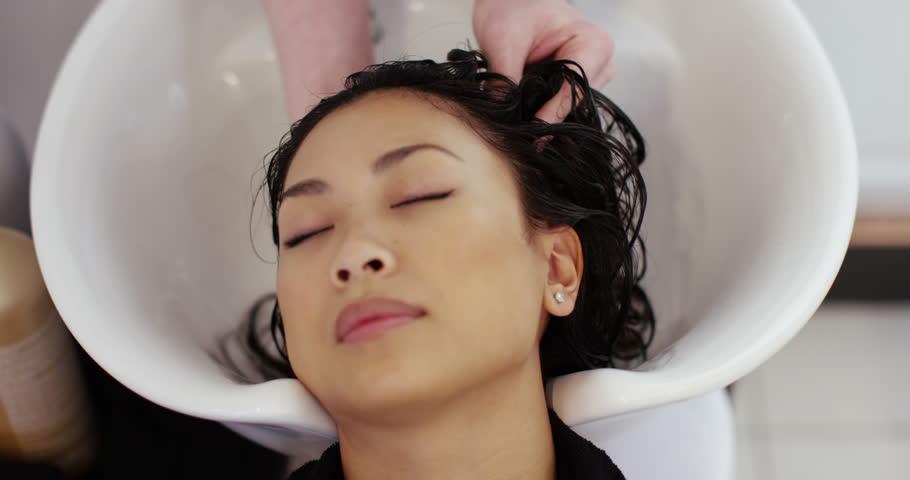 Videos Asian Woman Washing 35