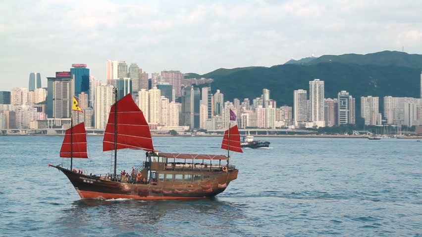 Junkboat in Hong Kong - Chinese Junkboat sailing across Victoria Harbour, Hong