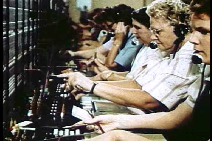 1950s - Great footage of switchboard operators at work at the phone company in 1950.