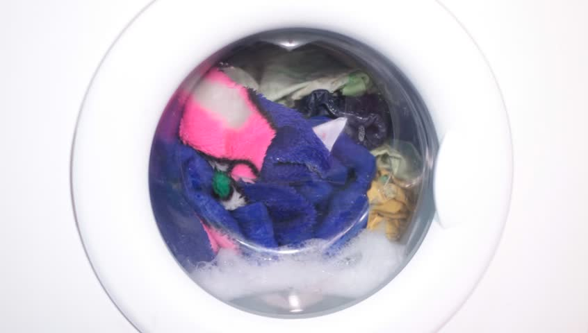 how to wash colored clothes in washing machine