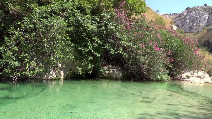 sicily, cassibile river, bioreserve