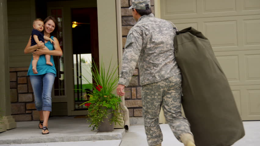 Military father returning home