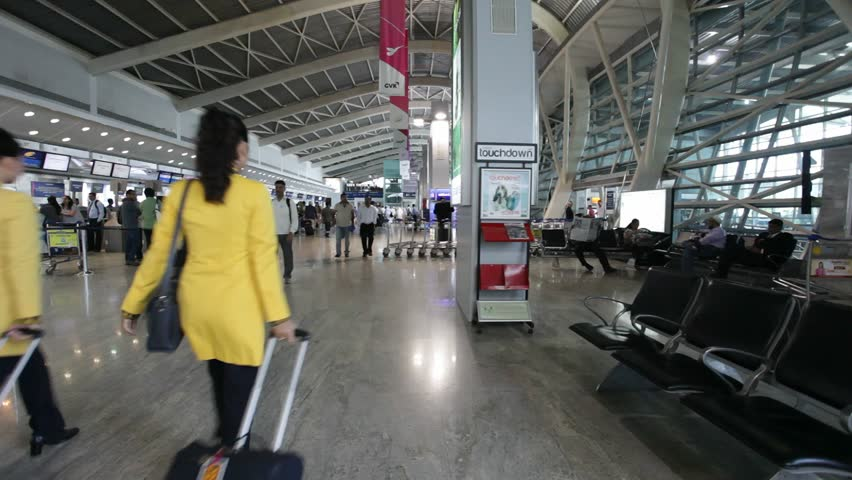 how to walk from rail platform to international airport