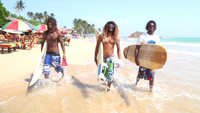 sri lanka mude girls on beach
