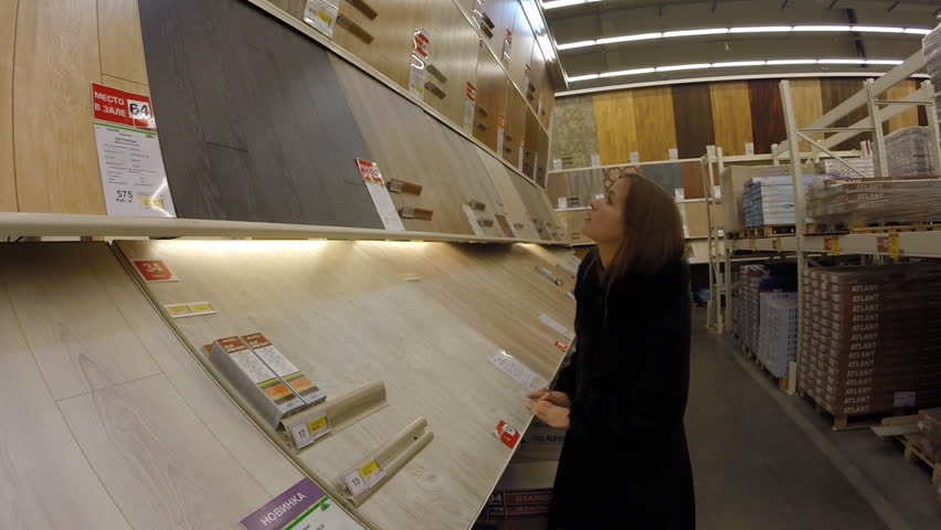 Ufa oct 13 girl chooses wallpaper store leroy merlin on october 13 2013 i - Store projection leroy merlin ...