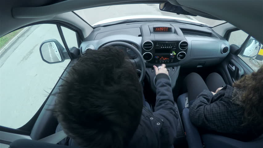 how to give head while driving