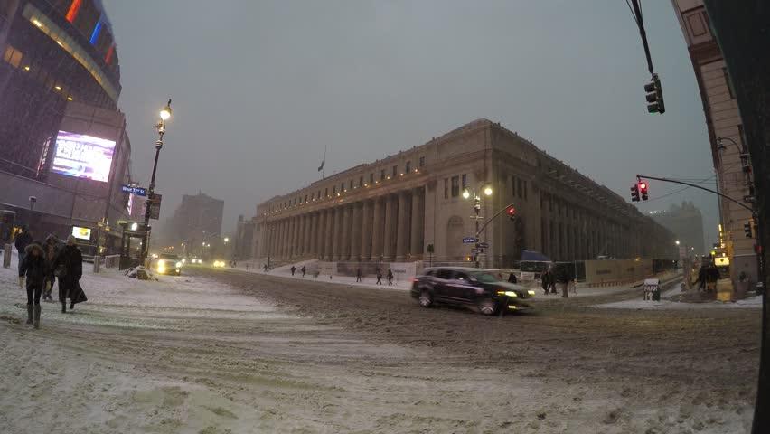 New York City January 26 2015 A Mta Bus Has Snow