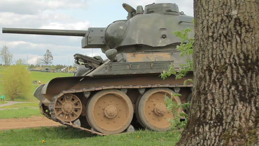 go. Tank war, participated in the battles, the movement of the tank ...
