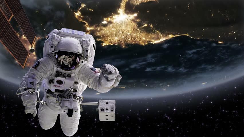 astronaut behind - photo #12